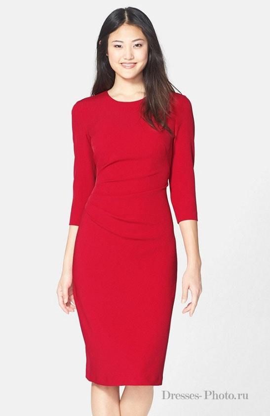 Платье-футляр с рукавом