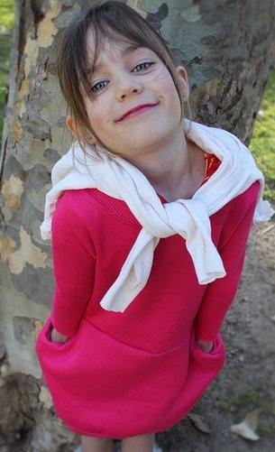 Платье для девочки из свитшота